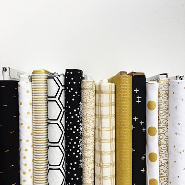 Champagne Dreams 2018<br>fat quarter bundle